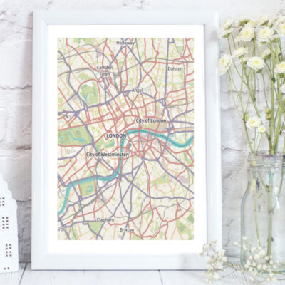 Custom map of London taking in major landmarks suc