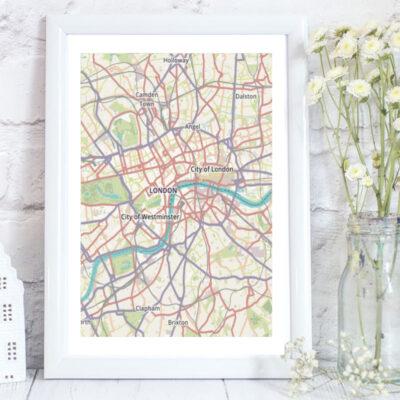 Custom map of London taking in major landmarks suc